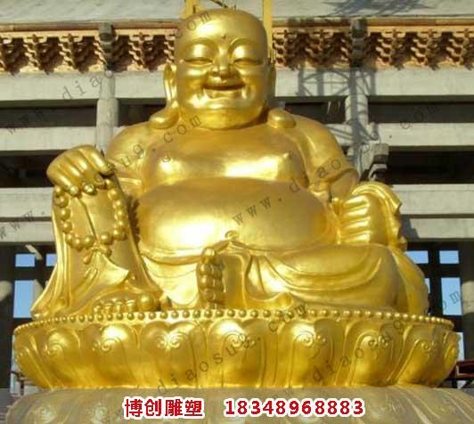 贴金的佛像