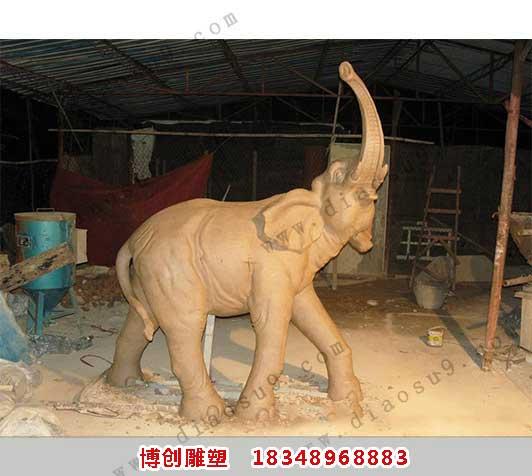 大象雕塑作品