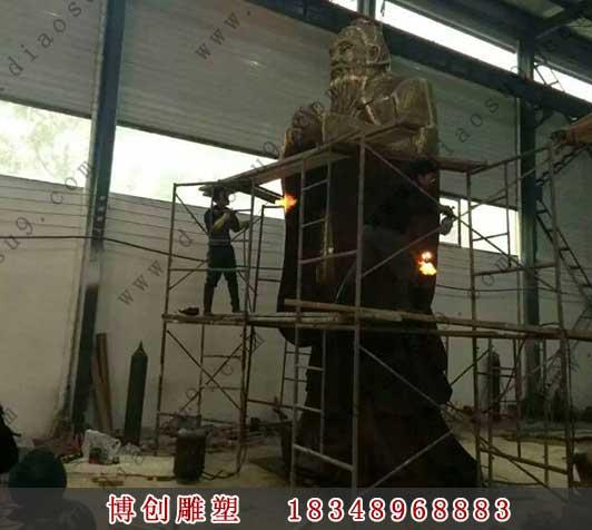 铜雕孔子像