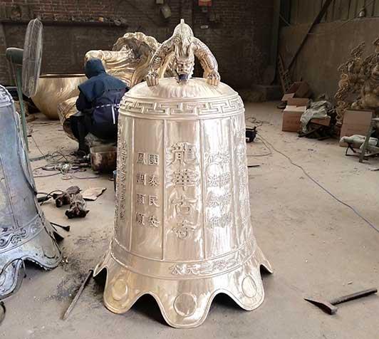 龙华古寺铜钟