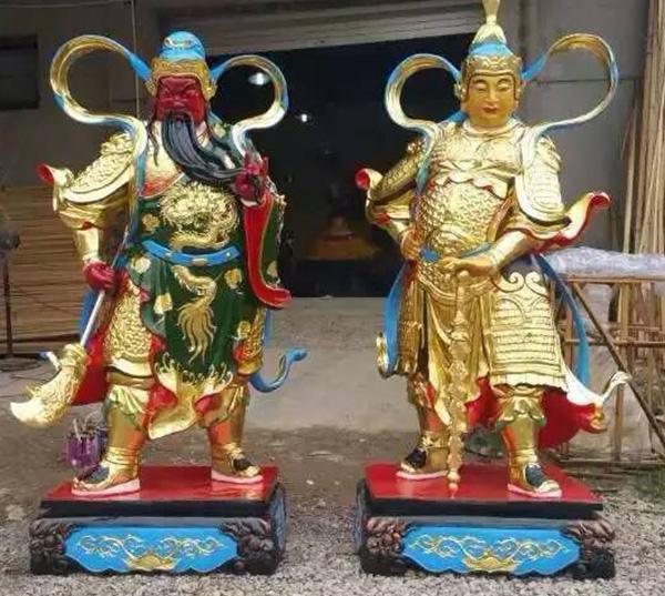 铜关公和韦陀像