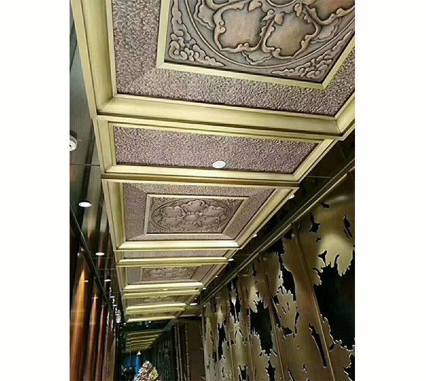 走廊铜装饰