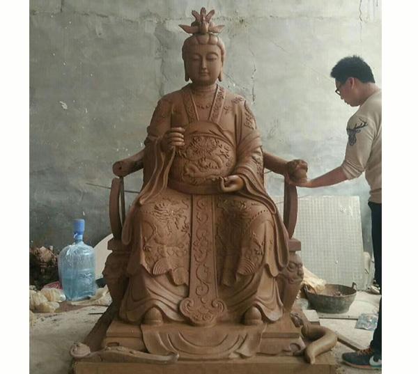 人物像雕塑制作中