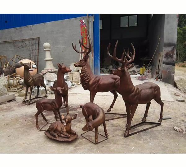 梅花鹿雕塑-玻璃钢雕塑