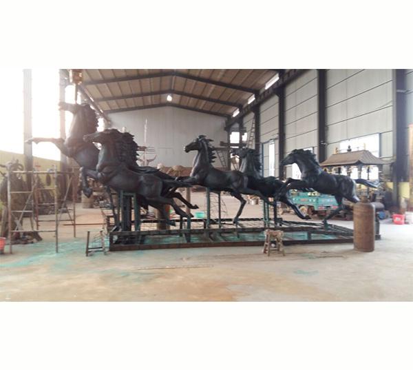 八骏马铜马雕塑