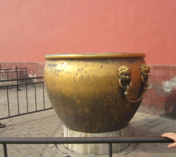 故宫铜缸图片