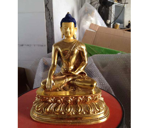 小型鎏金铜佛像图片