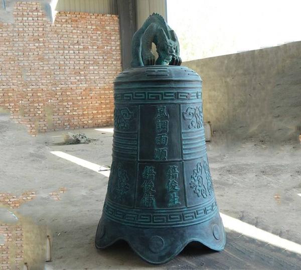 青铜钟铸造