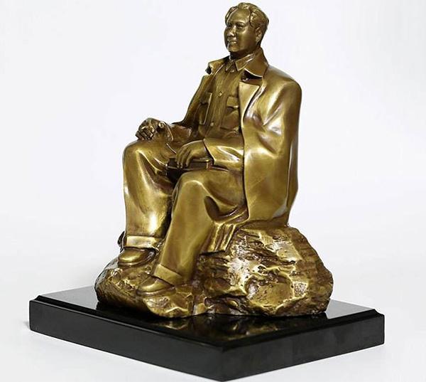 毛主席铜像摆件