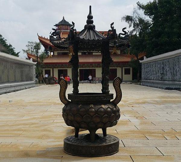 大型铜雕香炉图片