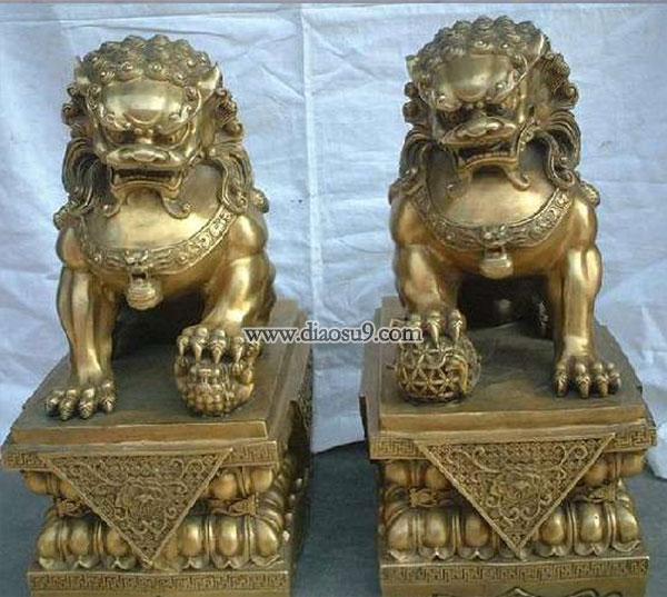 成对故宫狮