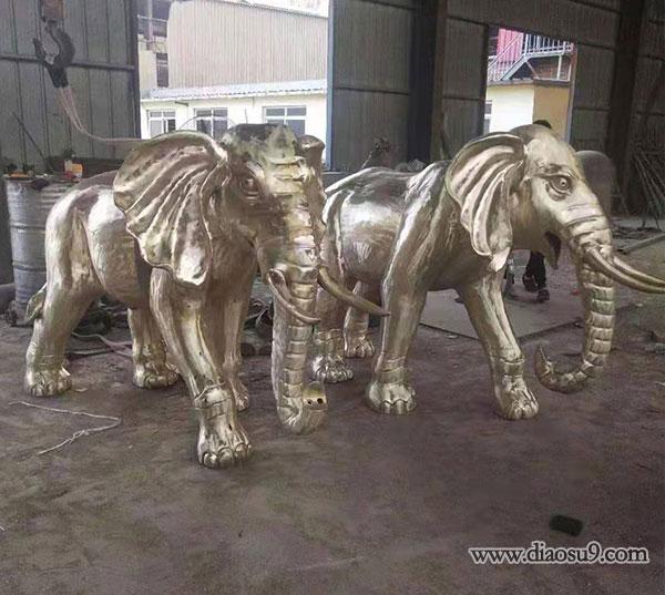 成对铜大象